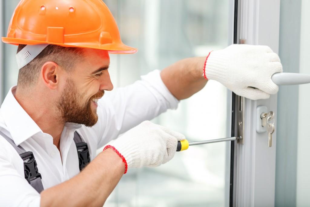 worker fixing
